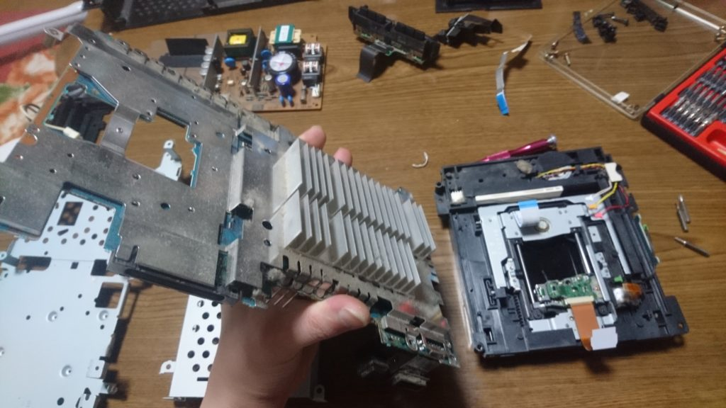 PS2(SCPH-30000)分解清掃とドライブの修理しました! メイン基板外す