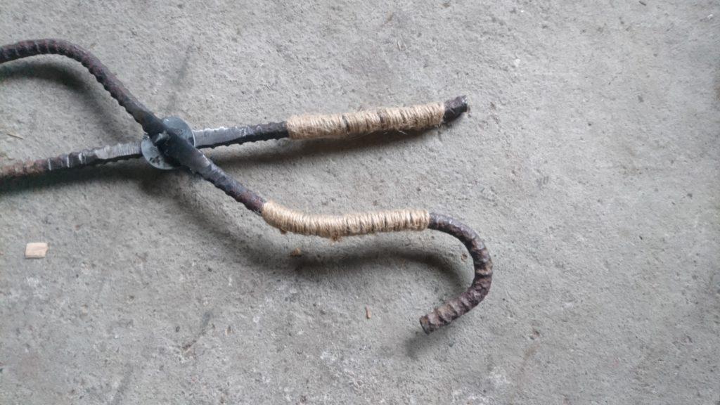 廃材で炭バサミ 改造 麻紐巻き付け3