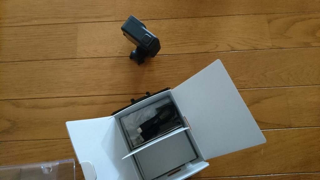 GoPro HERO8 Black (ゴープロ8)を開封 中身
