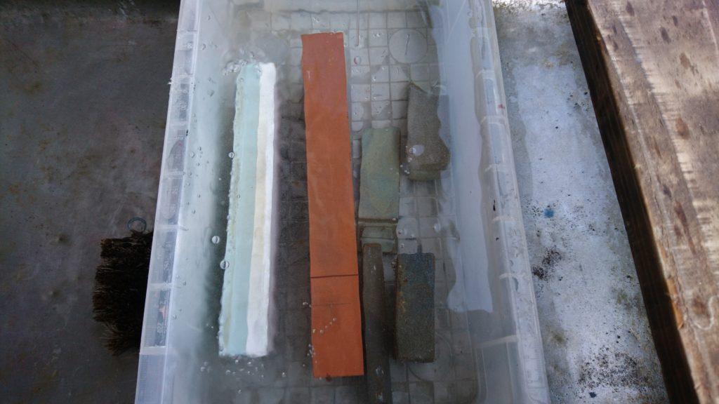 和斧(まさかり)研ぎ 砥石の準備