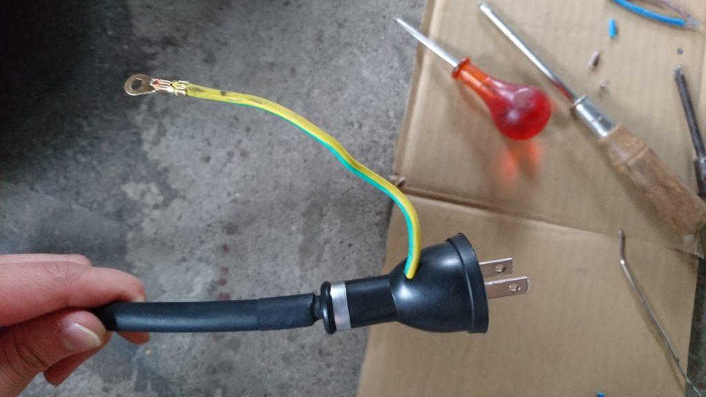 プラズマカッター CUT40 を組み立てました。  100Vコンセントプラグ製作。