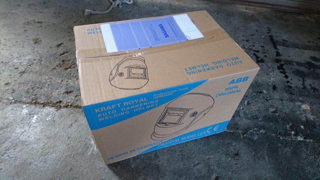 安い溶接面(自動遮光付き)ヘルメットタイプを買ってみた! 早速開封してみます。