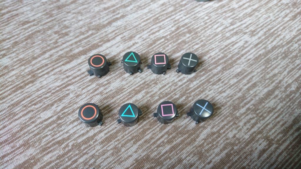 再挑戦!ジャンク品DUALSHOCK2を修理する。DUALSHOCK2の型によってボタンのツメが違う。