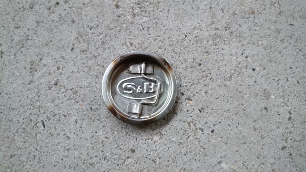 再挑戦!S&B特製ヱスビーカレー缶でアルコールストーブ製作。 フタ加工
