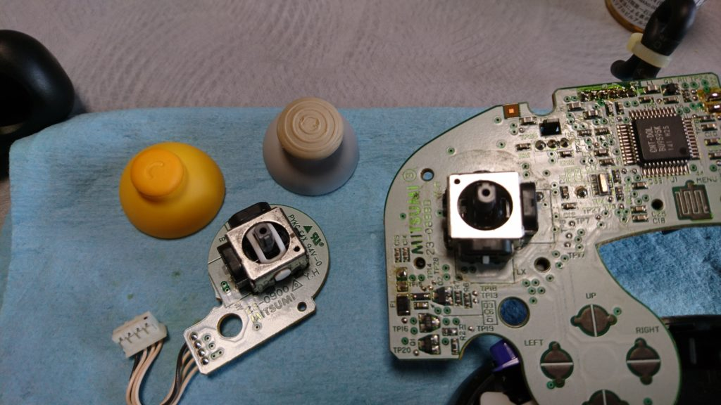 GQコントローラー メインスティックとCスティックの部品入れ替え完了!