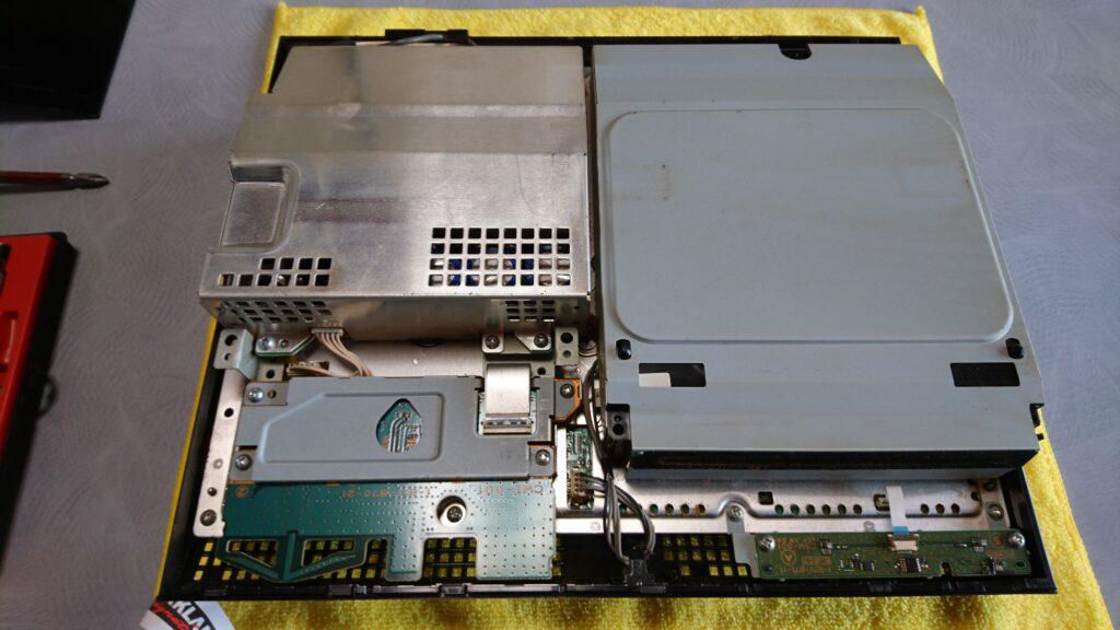 初代PS3(20GB)の分解! 各パーツ取り外し