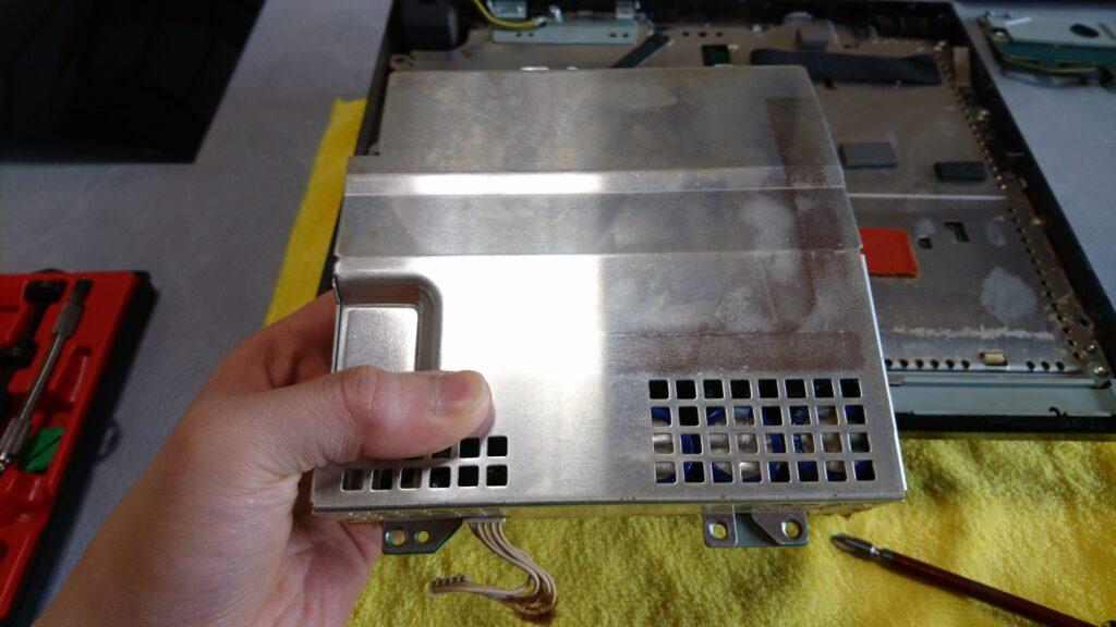 初代PS3(20GB)の分解! 電源ユニット取り外し