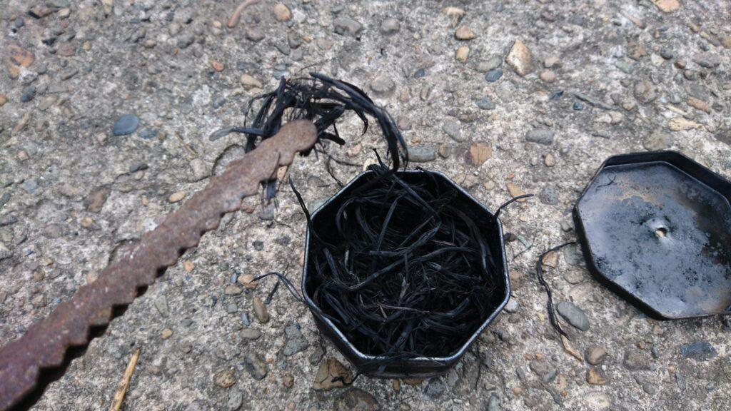 藁ロープが材料のチャークロス(炭化させた藁ロープ)
