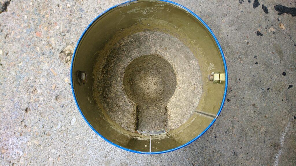 蚊取り線香の缶で自作七輪 パーライトモルタルで底部を作る